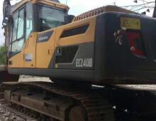 二手沃尔沃240挖掘机